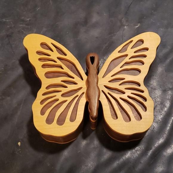 Wood butterfly box